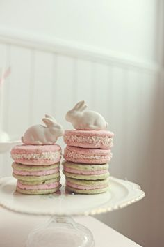 Sweetly lovely pink and green Easter Cookies. #food #Easter #spring #cookies Easter Bunny, Easter Eggs, Hoppy Easter, Easter Food, Easter Treats, Easter Recipes, April Easter, Easter Weekend, Easter Dinner