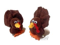 Baby Washcloth Turkey Thanksgiving pilgrim by PrincessAndThePbaby Thanksgiving Celebration, Thanksgiving Crafts, Fall Crafts, Towel Animals, Sock Animals, Towel Origami, How To Fold Towels, Towel Cakes, Baby Washcloth
