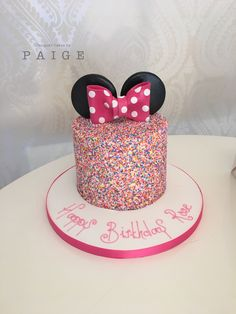 snacks for party 2 Year Old Birthday Party Girl, 2nd Birthday Party Themes, Birthday Cake Girls, 3rd Birthday, Birthday Ideas, Minnie Mouse Birthday Cakes, Disney Birthday, Bolo Minnie, Mickey And Minnie Cake