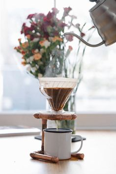 A one-cup coffee dripper stand hand-made from copper pipes. Can be used with aeropress or v60 drip cups. Hand soldered for an industrial finish and