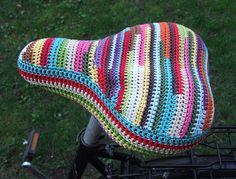Bicycle seat cover - free #crochet pattern!