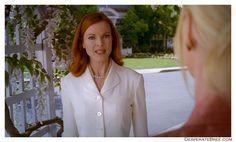 Desperate Housewives Bree Van De Kamp white jacket coat Desperate Housewives Bree, Bree Van De Kamp, Marcia Cross, Housewife, Simple Outfits, Elegant, Coat, Jacket, Fashion
