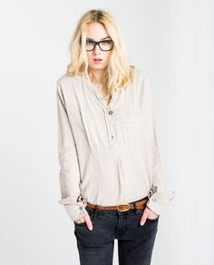 http://www.thehiptee.com/es/mujer/949-julia-tailored-shirt-c-lurex-stripes.html