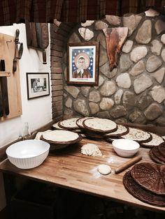 Casa Zanni | Villa Verucchio | Piadini Baking place Italy Street, Villa, Baking, Places, Lugares, Patisserie, Bread, Fork, Bakken