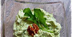 200 g Frischkäse  50 g Natur-Joghurt  1/2 Bd. Rucola, ca.60 g , gewaschen  40 g Walnusskerne  1 Schalotte  1/4 TL Salz  2 Prisen Pfeffer...