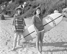 'Gidget' movies and TV shows were spinoffs of a successful novel about a girl who wanted to surf with the boys. Actresses who've played Gidget include Sandra Dee, Sally Field, and no fewer than five others. Take a look at the many faces of Gidget! Gidget Tv Show, Gidget Movie, Gidget Goes To Rome, Gidget Goes Hawaiian, Boyfriend Names, Sandra Dee, Mary Tyler Moore, Men Beach, Columbia Pictures