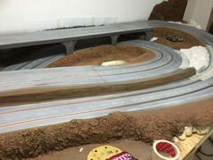 Baubericht – FREAKPALACE Slot Car Racing, Slot Cars, Race Cars, Courses, Entryway Tables, Layout, Circuit, Furniture, Track