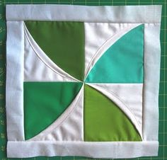 Modular Cathedral: Little Spinner quilt block from -a few scraps-