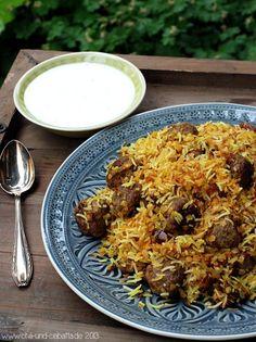 Persischer Reis mit Datteln und Lammhackbällchen