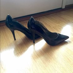 Black Business Heels Sophisticated heels. Color is black. Back of heel has a patent shiny look. The rest of the heel is regular with no shine. Heels have some scratches. Bottoms are not worn. Charlotte Russe Shoes Heels
