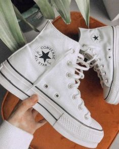 Dr Shoes, Swag Shoes, Hype Shoes, Me Too Shoes, Moda Sneakers, Cute Sneakers, Shoes Sneakers, Mode Converse, Outfits With Converse