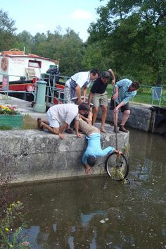 2011 August 28 - September 3: Somehow we lost a bike overboard.  We managed to retrieve it though!