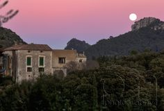 "A small pinturesque hamlet called ""Orient"""
