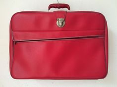 Vintage red leatherette sixties suitcase, weekender or travelbag by MORETHANVINTAGENL on Etsy