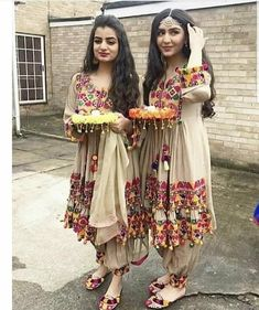 For details / order please dm or Whatsapp on . Pakistani Formal Dresses, Pakistani Fashion Casual, Pakistani Dress Design, Pakistani Outfits, Ethnic Fashion, Indian Dresses, Indian Outfits, Indian Fashion, Afghani Clothes