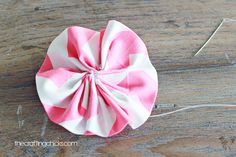 how-to make fabric flowers