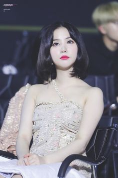 era: time for us 190424 Kpop Girl Groups, Korean Girl Groups, Kpop Girls, Pretty Asian, Beautiful Asian Girls, Pretty Girls, Korean Beauty, Asian Beauty, Asia Artist Awards