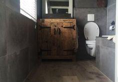 Keramisch parket rotterdam te zien bij badkamerhuis in vele