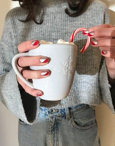 5 Grown-Up Ideas for Christmas Nails (That Aren't Tacky Reindeer) polish art Many women prefer … Light Nail Polish, Green Nail Polish, Polish Nails, Holiday Nail Art, Christmas Nail Art, Christmas Holiday, Holiday Decor, Red Wine Stains, Amigurumi For Beginners