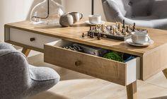 Cechy i korzyści: Ława kawowa posiada otwarte przestrzenie, dostępne z obu stron mebla. Ławę można uzupełnić skrzynkami ławy kawowej, występującymi w dwóch wariantach kolorystycznych. W ławie ...