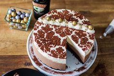 Herkullinen Baileys-suklaakakku - Baileys Chocolate cheesecake - Pullahiiren leivontanurkka Baileys Cheesecake, Chocolate Cheesecake, Sweet Bakery, Tiramisu, Tart, Cake Recipes, Food And Drink, Pie, Baking