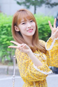 Korean Women, Korean Girl, Korean Lady, Pop Group, Girl Group, Arin Oh My Girl, Kpop Girl Bands, Korean Celebrities, Girl Pictures