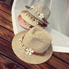 Chapéu feminino estilo fedora que confere personalidade e muito charme ao look feminino.