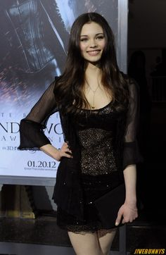 India Eisley Daughter of Olivia Hussey