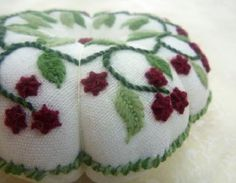 Free pattern: Berry pincushion · Needlework News | CraftGossip.com