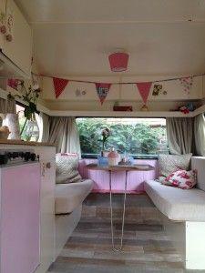 De caravan van Margriet: Vintage Rosie | Caravanity | happy campers lifestyle