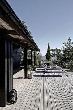 my scandinavian home: Summer cottage Outdoor Rooms, Outdoor Living, Haus Am See, Summer Cabins, Weekend House, Patio Roof, Scandinavian Home, Black House, House In The Woods