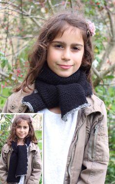 Nemt halstørklæde, som børn selv kan strikke.