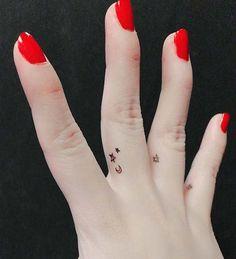 Dezente Tattoo Ideen Für Frauen Mini Diskret Innenseite Finger