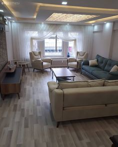 A complete refurbishment, stylish touches to simplicity. The transformation of Mrs. Living Room Designs, Living Spaces, Bedroom Furniture, Bedroom Decor, House Slide, Wall Clock Design, False Ceiling Design, Led Licht, Facade House