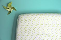 Lime Little Hip Squeaks Crib Sheet   Iviebaby.com   Iviebaby