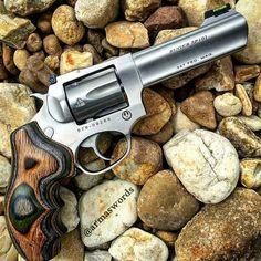 Manufacturer: Ruger  Mod. SP101  Type - Tipo: Revolver  Caliber - Calibre: 327…