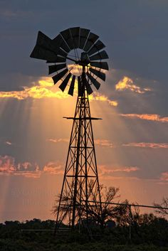 We're mostly country, but there's always a random twist here and there. We share pictures we love and find everywhere. Windmill Art, Farm Windmill, Old Windmills, Country Art, Country Life, Country Living, Country Scenes, Old Barns, Le Moulin
