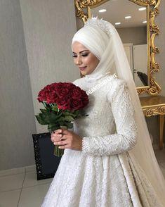 muslim wedding dress in kerala style Hijab Wedding, Bridal Hijab, Muslim Wedding Dresses, Bridal Wedding Dresses, Wedding Bridesmaids, Muslim Brides, Couple Wedding Dress, Wedding Couples, Couple Hijab