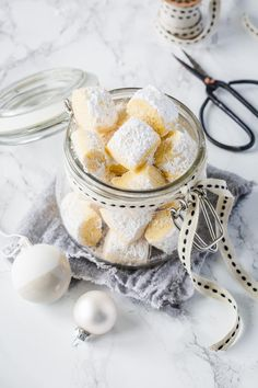Traumstücke wie Vanillekipferl: Bestes Rezept   Simply Yummy Sweets Recipes, Cake Recipes, Cooking Recipes, Xmas Food, Christmas Cooking, German Cakes Recipes, Cake & Co, Cupcake Cookies, Simply Yummy