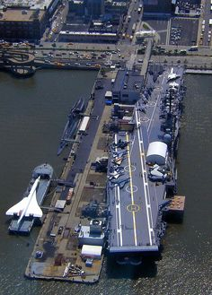 USS Intrepid Aircraft Carrier by seth_holladay. Interesting to see the Concorde on a barge opposite the carrier. Poder Naval, Uss Intrepid, Intrepid Museum, Image Avion, Navy Aircraft Carrier, Voyage New York, Go Navy, Us Navy Ships, Concorde
