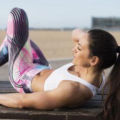 Flacher Bauch gefällig? Drei simple Übungen & wirksame Ernährungstipps