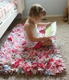 Rag rugs have been around for ages, but I haven't previously been very impressed with what I have seen. Lately, however, there are some real...