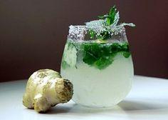 gemberdrankje met komkommer, munt en citroen voor een plat buikje