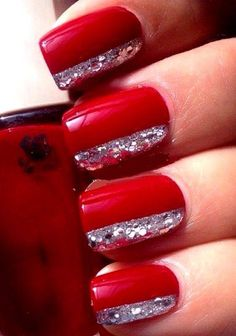 Red & silver nails with stripe                                                                                                                                                                                 Mehr