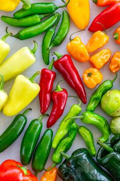 Stuffed Anaheim Peppers, Stuffed Banana Peppers, Stuffed Poblano Peppers, Stuffed Sweet Peppers, Thai Peppers, Dried Peppers, Cooking Peppers, Types Of Peppers, Smoked Jalapeno