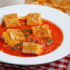 grilled cheese croutons in roasted tomato soup