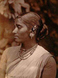 Traditional Tamil Lady in Ceylon   saree image
