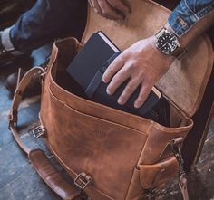 The Whipping Post Large Messenger kicks things up a notch from the brand's Vintage Messenger and Satchel. Briefcase For Men, Leather Briefcase, Shooting Bags, Vintage Leather Messenger Bag, Large Messenger Bags, Backpack For Teens, Leather Projects, Leather Men, Leather Jackets