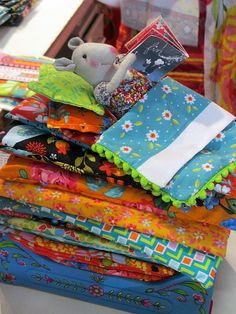 blog af2 Princess And The Pea, Sewing Toys, Mini Quilts, Softies, Baby Toys, Quilt Blocks, Storytelling, Fairy Tales, Applique
