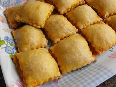Almofadinhas de bacalhau by a galinha maria, via Flickr
